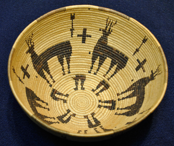 Deer Basket, Panamint Tribe of California, early 20th century, 3 x 8.
