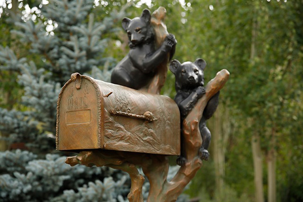 Sculpture-and-mail-box