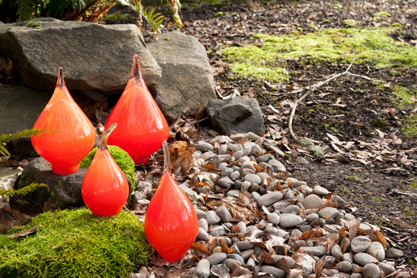 Suzanne Kindland, Garden Pods, glass, h5-7.