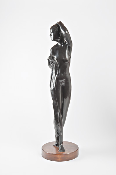 Michael Naranjo, Woman With Towel, bronze sculpture
